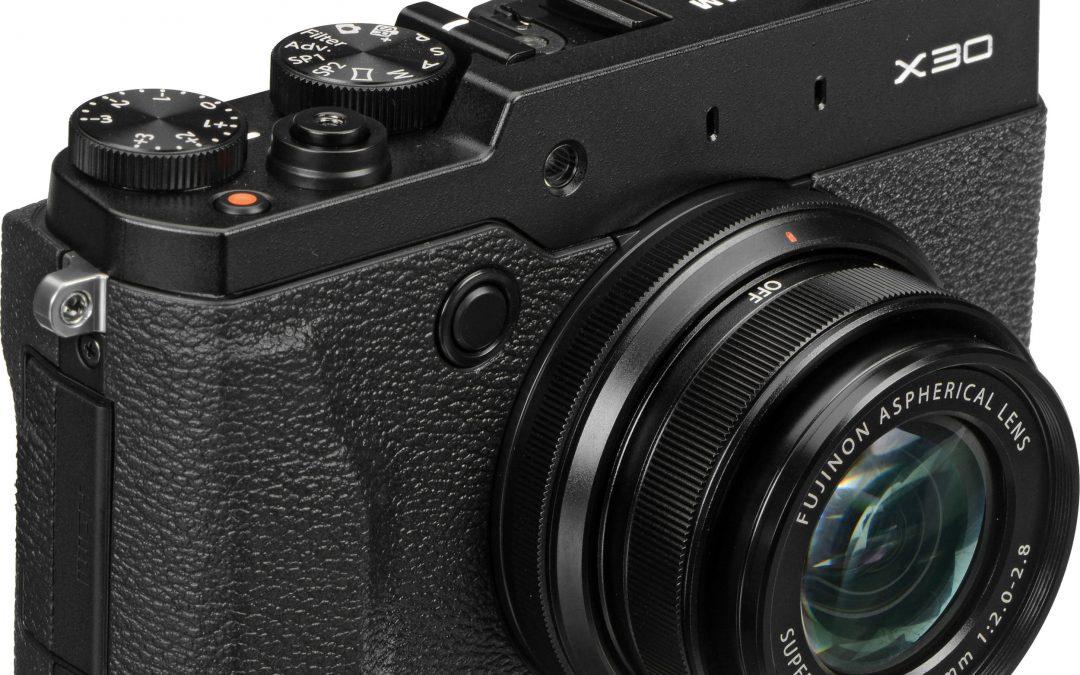 Kvalitní retro prcek – Fuji film X30 (RECENZE)